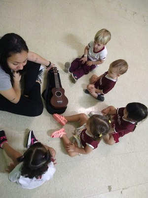 Alunos de Educação Infantil viram Os músicos do Bennett