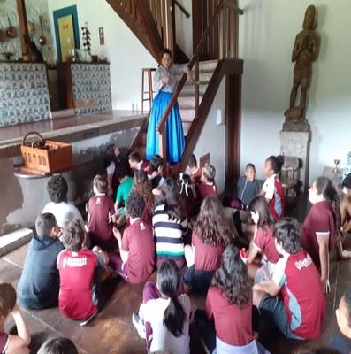 Alunos do 4º ano aprendem História fora da sala de aula