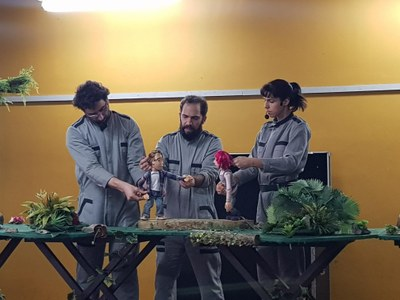 Peça teatral traz lições sobre preservação ambiental às turmas do Fundamental I
